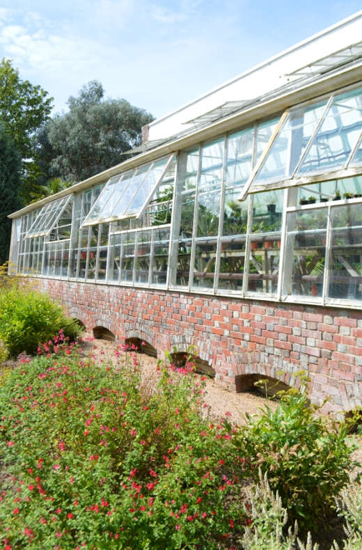 16 Longueville Manor Jersey