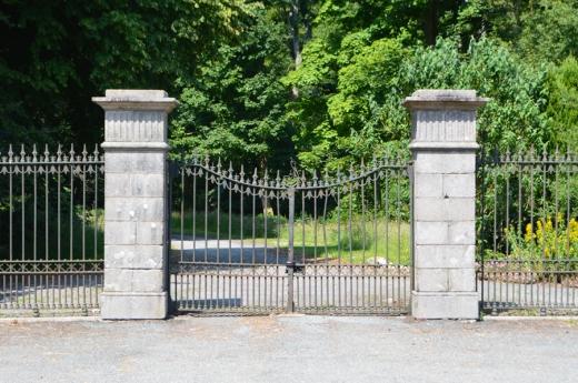 2 Mourne Park House gates copyright lvbmag.com