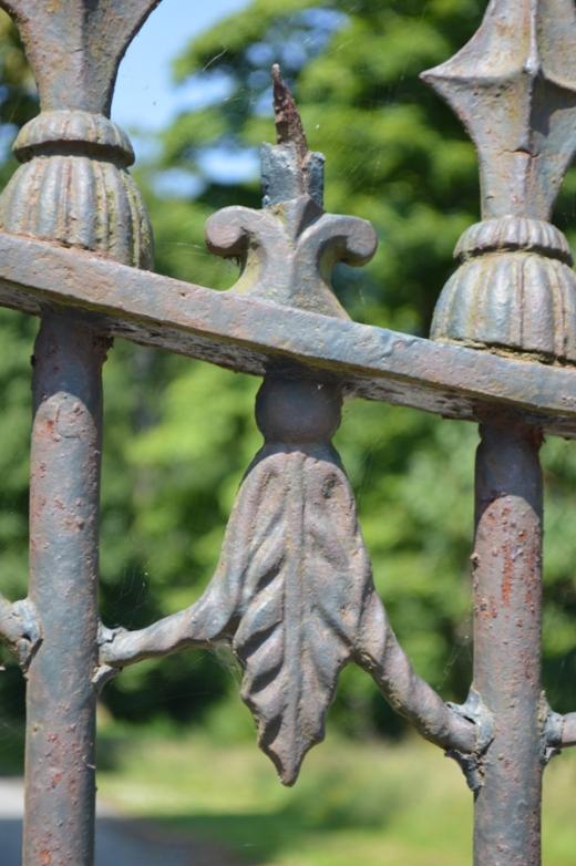 3 Mourne Park House gates copyright lvbmag.com