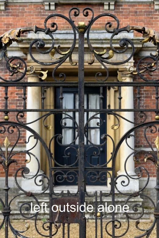 Island Hall Gates © Lavender's Blue Stuart Blakley