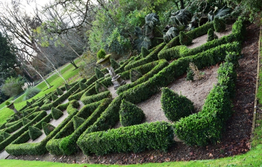 Marlfied House Gardens © Lavender's Blue_edited-1