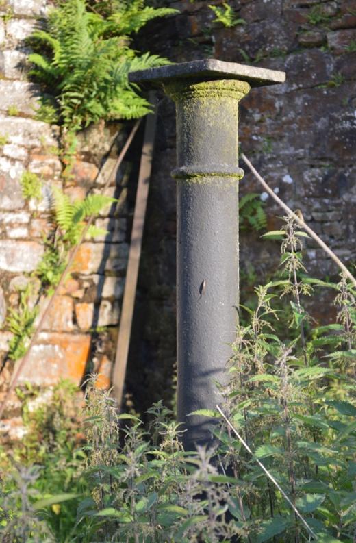Crevenagh House Column © Lavender's Blue Stuart Blakley