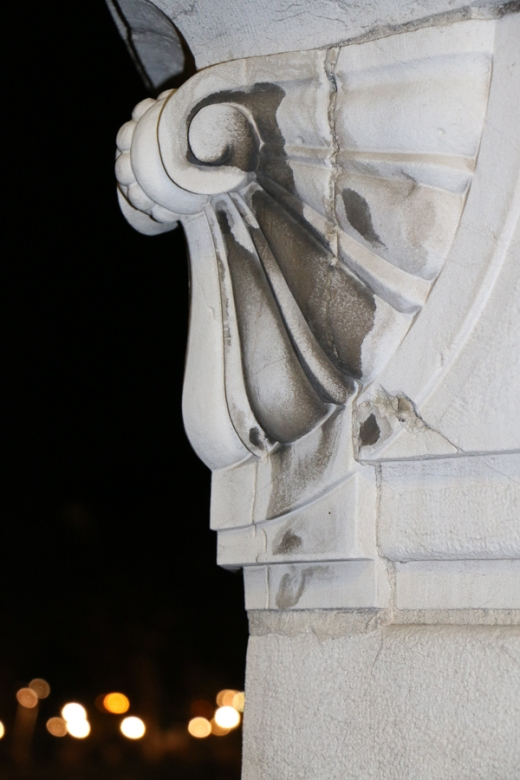 Bilbao Statue By Night © Lavender's Blue Stuart Blakley