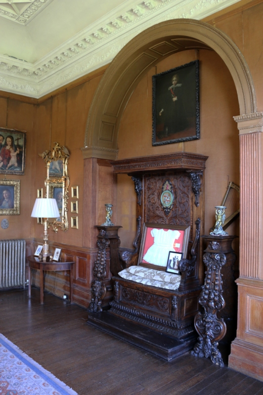 Castle Leslie Drawing Room © Lavender's Blue Stuart Blakley_edited-2