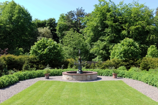 Castle Leslie Long Gallery Garden © Lavender's Blue Stuart Blakley_edited-1