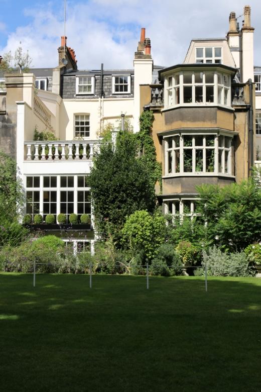 The Goring Hotel Garden © Lavender's Blue Stuart Blakley