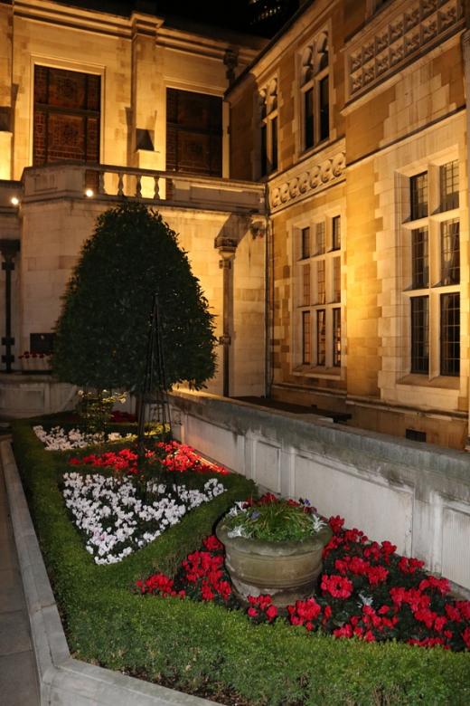 merchant-taylors-hall-garden-lavenders-blue-stuart-blakley