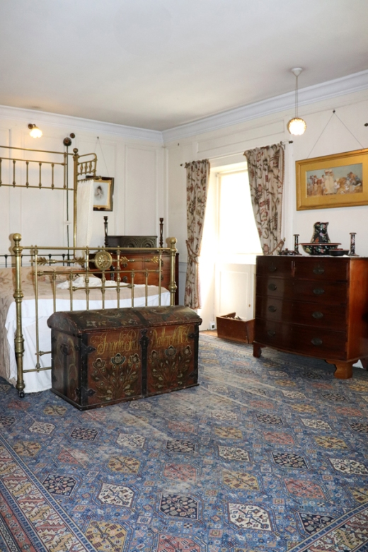 Preston Manor Brighton Four Poster Bed © Lavender's Blue Stuart Blakley