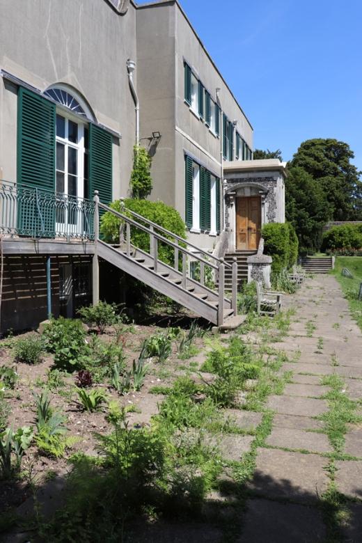 Preston Manor Brighton Garden Front © Lavender's Blue Stuart Blakley