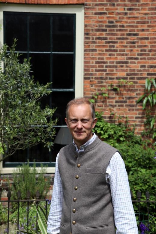 Dr Simon Thurley Clifton House © Lavender's Blue Stuart Blakley