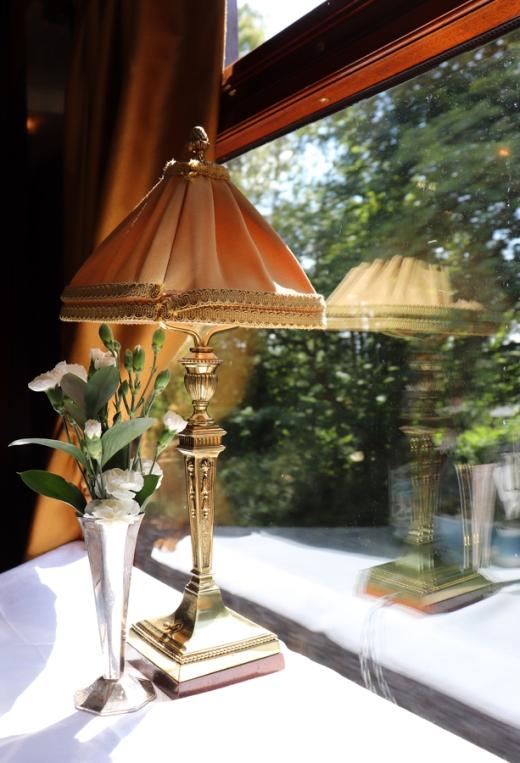 Belmond British Pullman Murder Mystery Lunch Lamp © Lavender's Blue Stuart Blakley