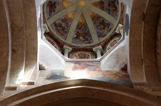 Church Dome Avignon © Lavender's Blue Stuart Blakley