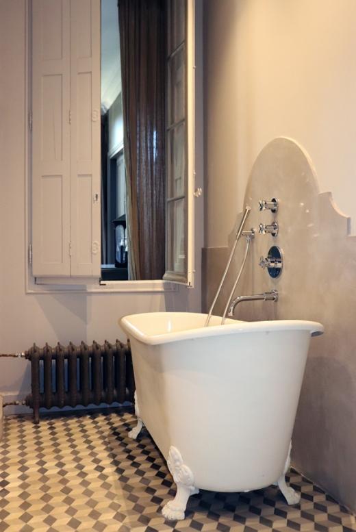 Bathroom La Divine Comedie Avignon © Lavender's Blue Stuart Blakley
