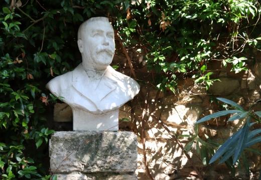 Bust La Divine Comedie Avignon © Lavender's Blue Stuart Blakley