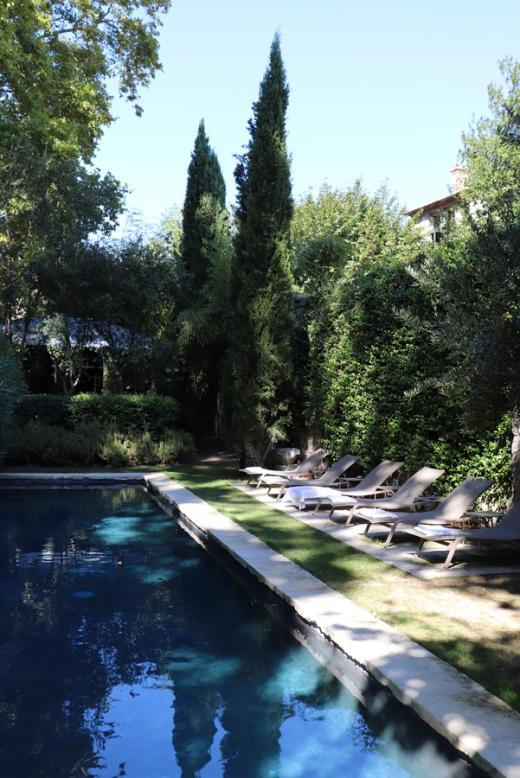 Garden Pool La Divine Comedie Avignon © Lavender's Blue Stuart Blakley