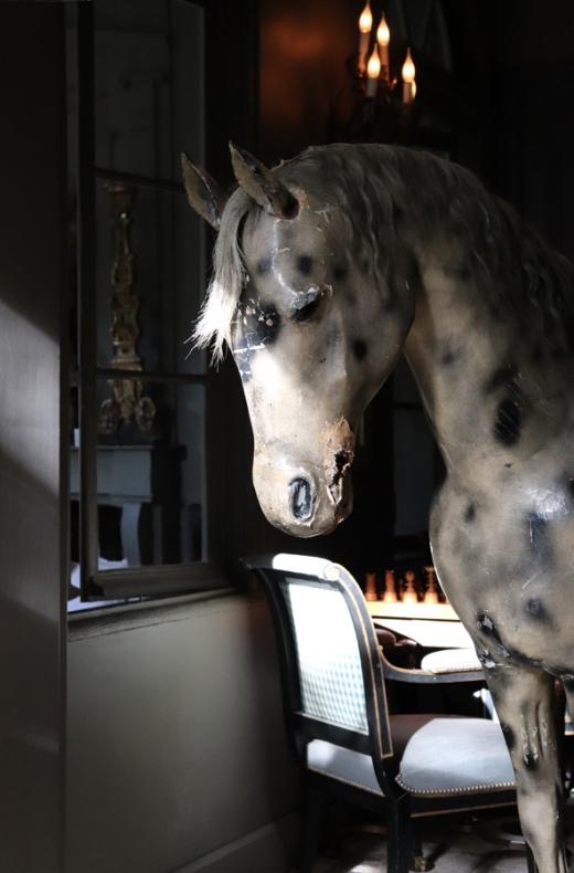 Horse La Divine Comedie Avignon © Lavender's Blue Stuart Blakley