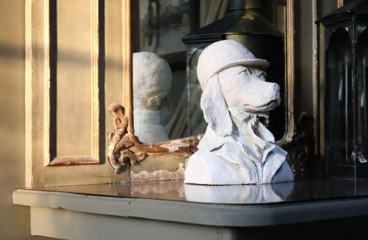 Landing Table La Divine Comedie Avignon © Lavender's Blue Stuart Blakley
