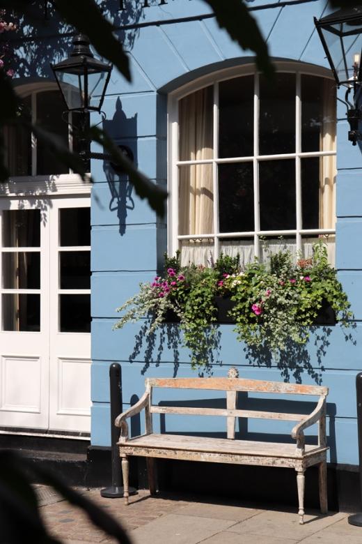 No.50 Cheyne Restaurant Chelsea Exterior © Lavender's Blue Stuart Blakley