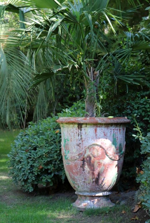 Urn La Divine Comedie Avignon © Lavender's Blue Stuart Blakley