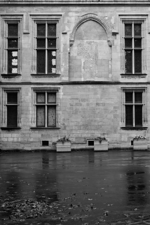 Rainy Paris Hotel de Sens © Lavender's Blue Stuart Blakley