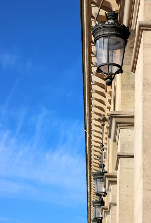 Rue de Rivoli Cornice Paris © Lavender's Blue Stuart Blakley