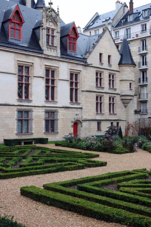 St Paul Hotel de Sens Paris © Lavender's Blue Stuart Blakley