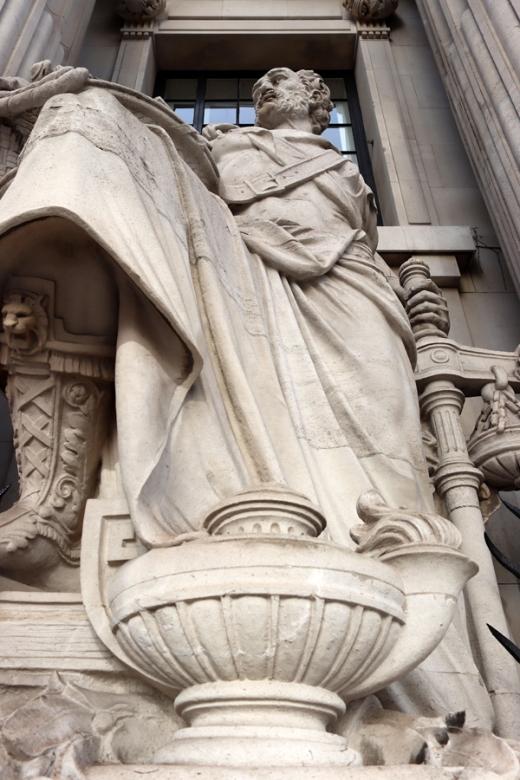 Statue Four Seasons at 10 Trinity Square London © Lavender's Blue Stuart Blakley