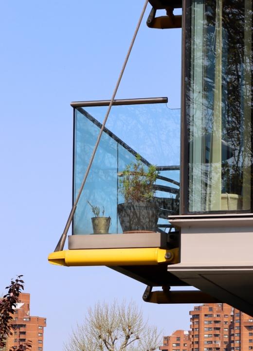 Balcony Montevetro Battersea London © Lavender's Blue Stuart Blakley