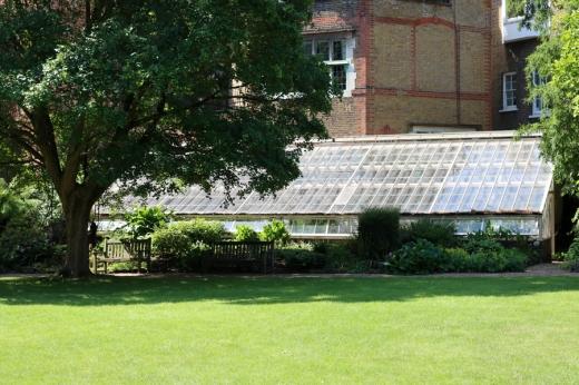 Glasshouse Lawn Chelsea Physic Garden London © Lavender's Blue Stuart Blakley